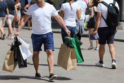 In Italia lo shopping è maschio: 7 su 10 pazzi per gli acquisti
