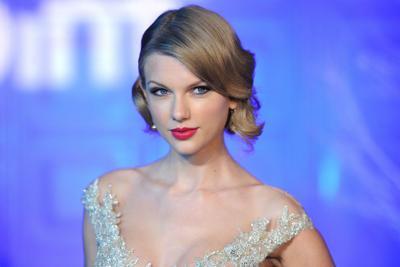 Molestie sessuali a Swift, popstar vince causa