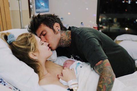 la prima foto del figlio di Fedez e Chiara Ferragni