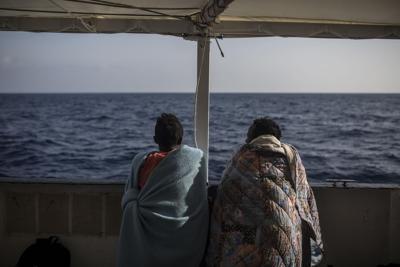 Barcone Lampedusa, in 310 già trasferiti Nuova sfida di Salvini