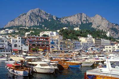 Turista francese denuncia: Drogata e violentata a Capri