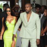Kanye West in ciabatte ad un matrimonio: svelato il prezzo