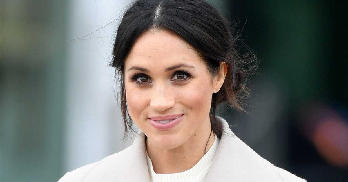 BELFAST, UNITED KINGDOM - MARCH 23: Meghan Markle departs the iconic Titanic Belfast during her visit with Prince Harry to Northern Ireland on March 23, 2018 in Belfast, Northern Ireland, United Kingdom. (Photo by Samir Hussein/Samir Hussein/WireImage)