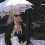 """La Marchesa smascherata in diretta TV: """"Vive in un bilocale, è figlia di un tranviere e di una casalinga"""" (VIDEO)"""