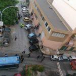 L'aggressione all'inviata di Striscia a Palermo: in corso lo sgombero del palazzo