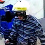 Torino, rapinatore seriale camuffato da postino: il suo ultimo colpo sventato dal migrante Osahon