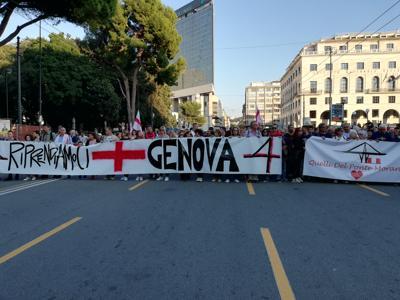 'Riprendiamoci Genova', un migliaio in piazza
