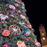 Natale: a Terrasini 'Radici', albero addobbato con oggetti cultura siciliana