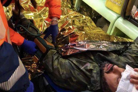 Corona aggredito da un gruppo di spacciatori finisce in ambulanza: ecco cosa è successo durante la notte