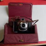 Macchina fotografica a tracolla con scatola marca Ferrania – EURA – Vintage
