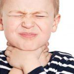 Mal di gola: ecco perché alcuni bambini ne soffrono più spesso