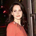 Lana Del Rey annulla il tour nel Regno Unito e in Europa