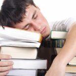 Studenti, all'università bastano 40 minuti di sonno in più per rendere meglio