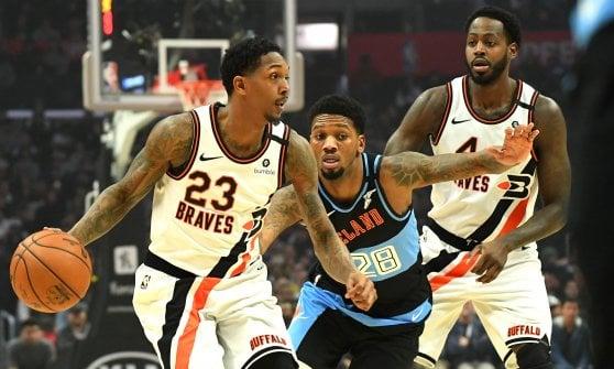 Basket Nba: Antetokounmpo fa volare Milwaukee, Utah da dieci e lode