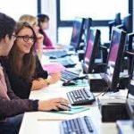 Internet: studenti digitali e povertà educativa in report Con i bambini e Openpolis