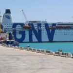 Migranti, la nave quarantena arriva a Lampedusa