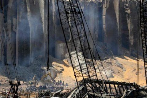Esplosione a Beirut: il nitrato d'ammonio, rischi per inalazione e occhi