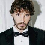 Stefano De Martino beccato con una nuova ragazza: lei è un volto noto