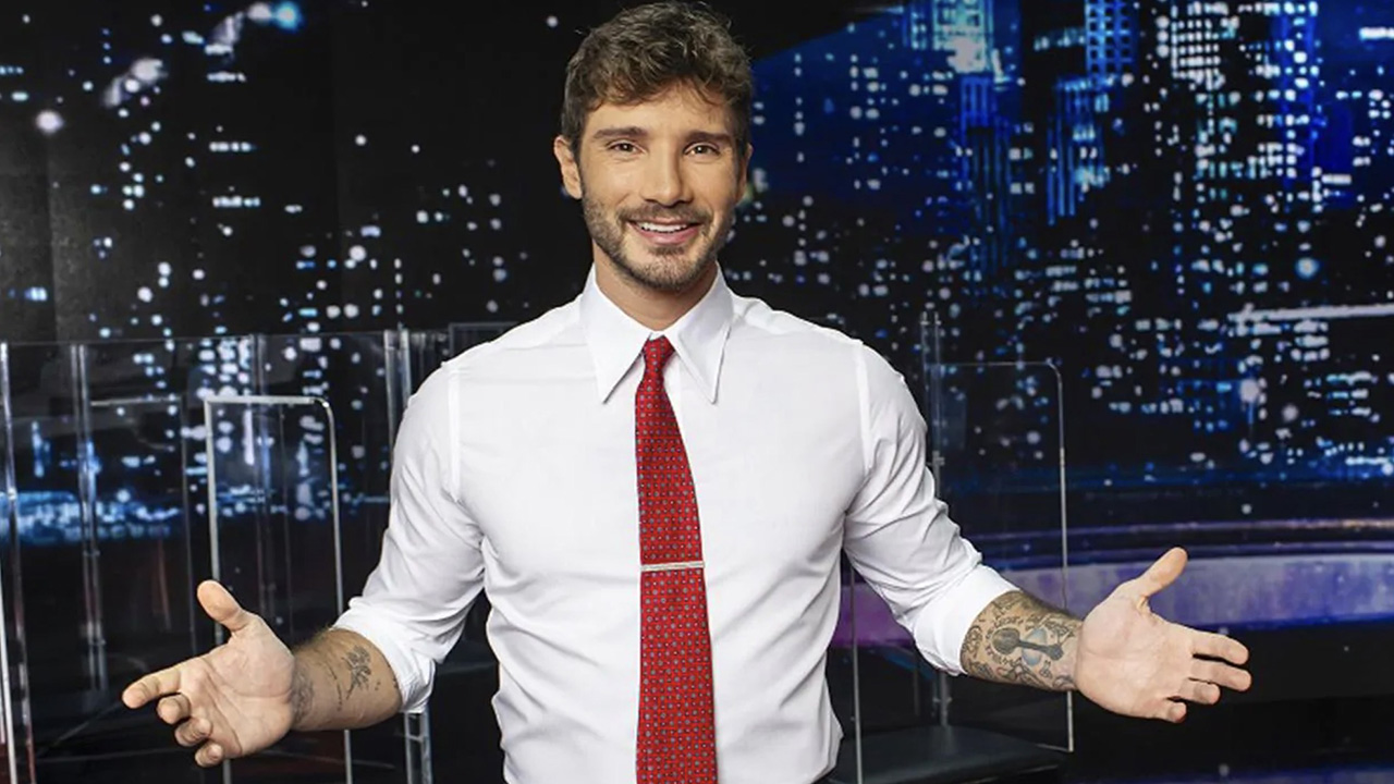 Stefano De Martino resta in Rai
