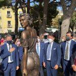 """Spigolatrice di Sapri, il senatore M5S Castiello: """"Chi critica la statua non conosce il corpo delle donne meridionali"""""""